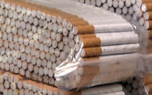 jaipur-Airport-60000-imported-brand-cigarette-caught