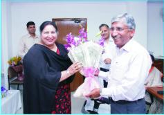 दिल्ली सेंट्रल एक्साइज के चीफ कमिश्नर ए.के.गुप्ता रिटायर हुए उन्हें भावभीनी विदाई दी गई